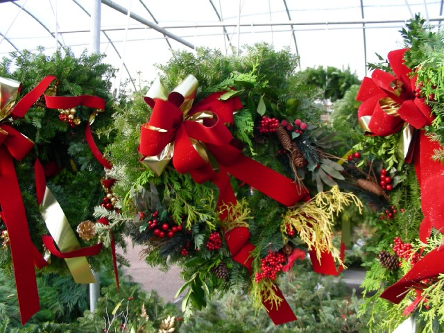 Wreaths, Grave Blankets and Decorations